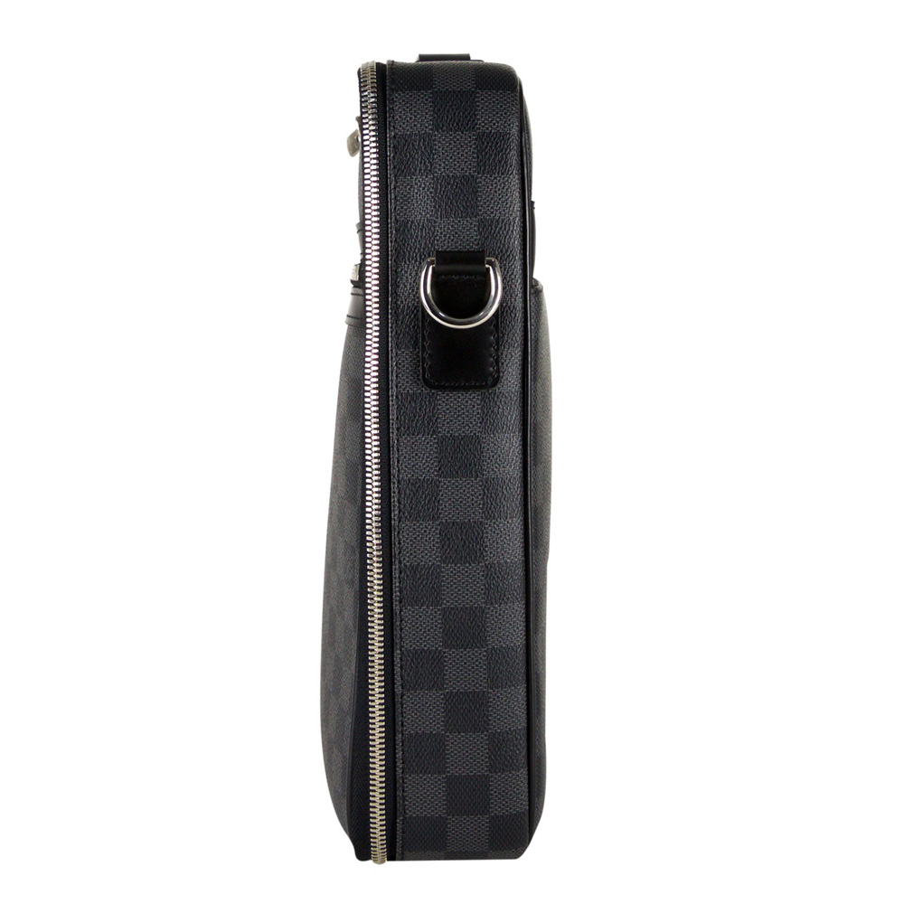 7112b3c3175b Louis Vuitton Increases Retail S In And Online Yoogi
